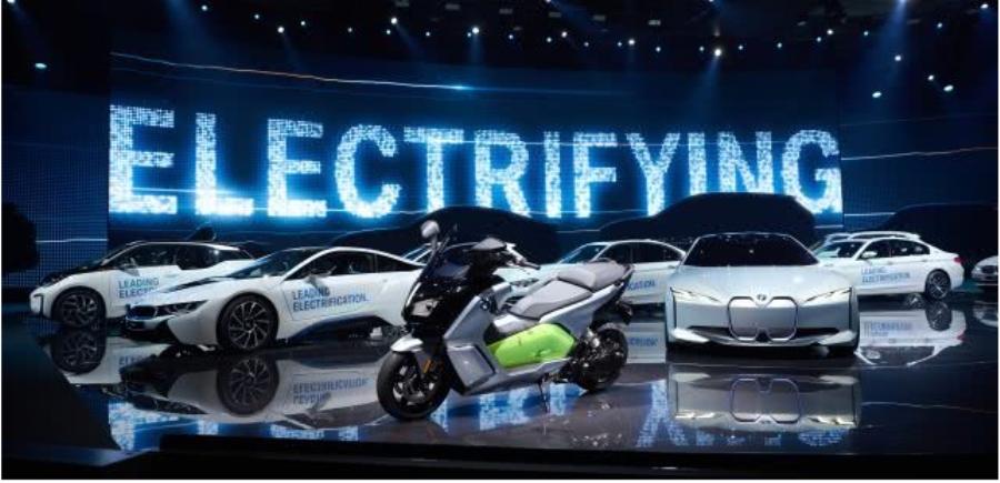 奔驰EQC将于明年量产 本周海外新闻一览