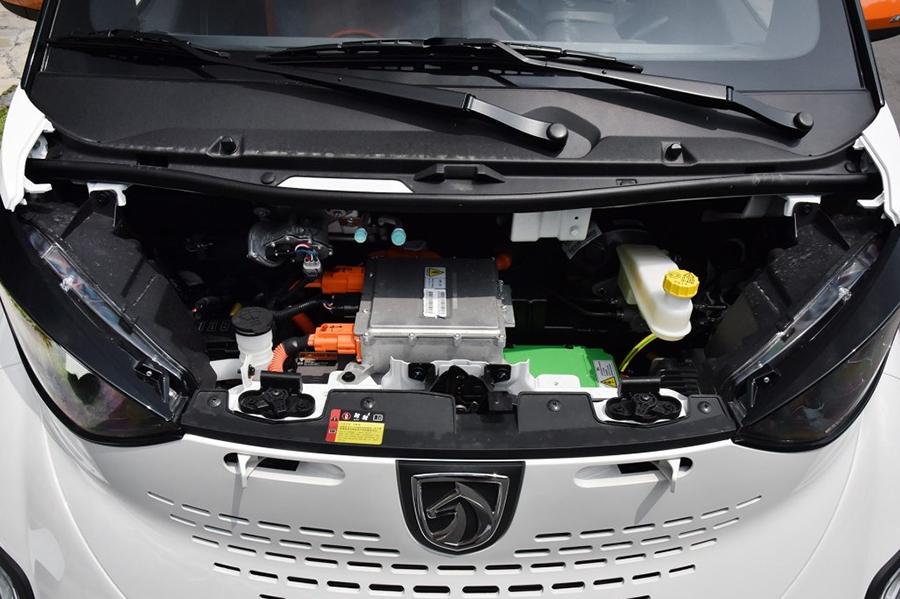 宝骏E100售价9.39万元 郑州地区现车热销