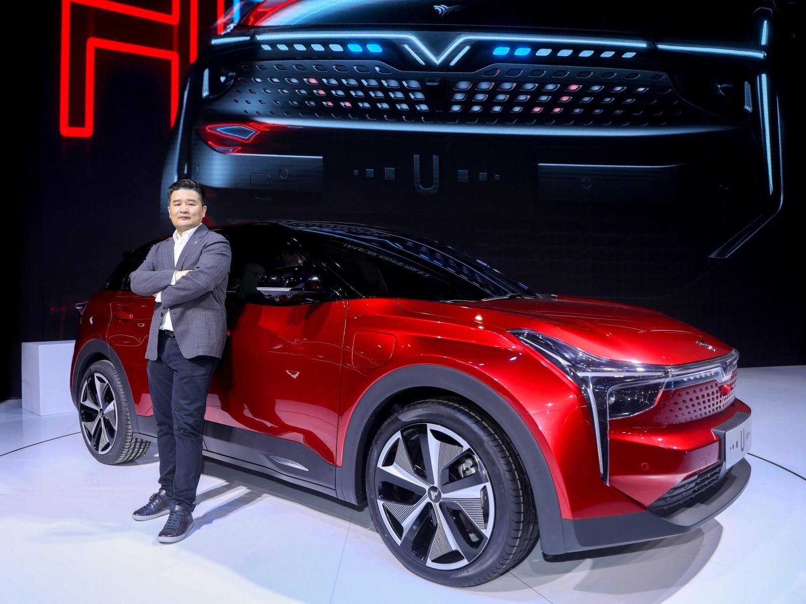 紅旗檢閱車 讓中國智造行在中國走向世界