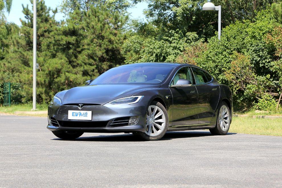 新款Model S/X正式上市 售72.28万元起