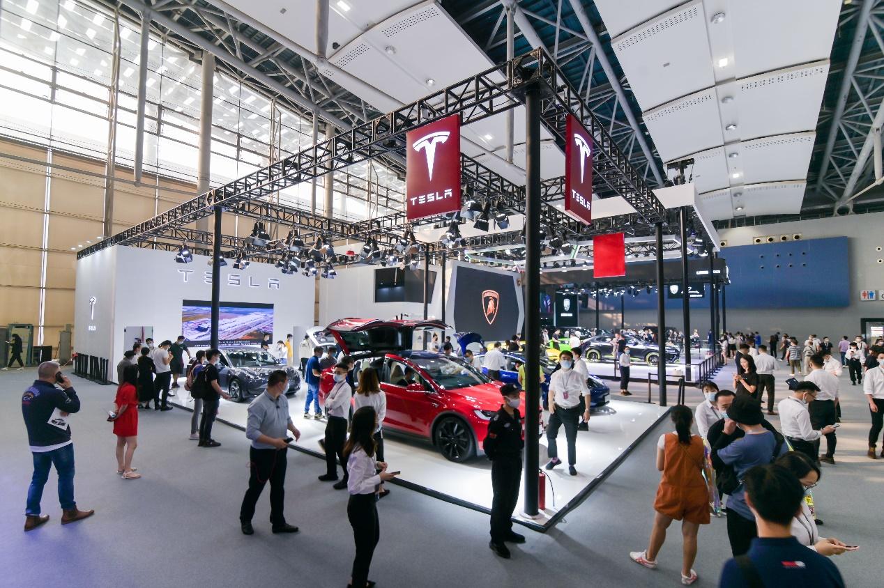特斯拉携多款车型展登陆广州车展