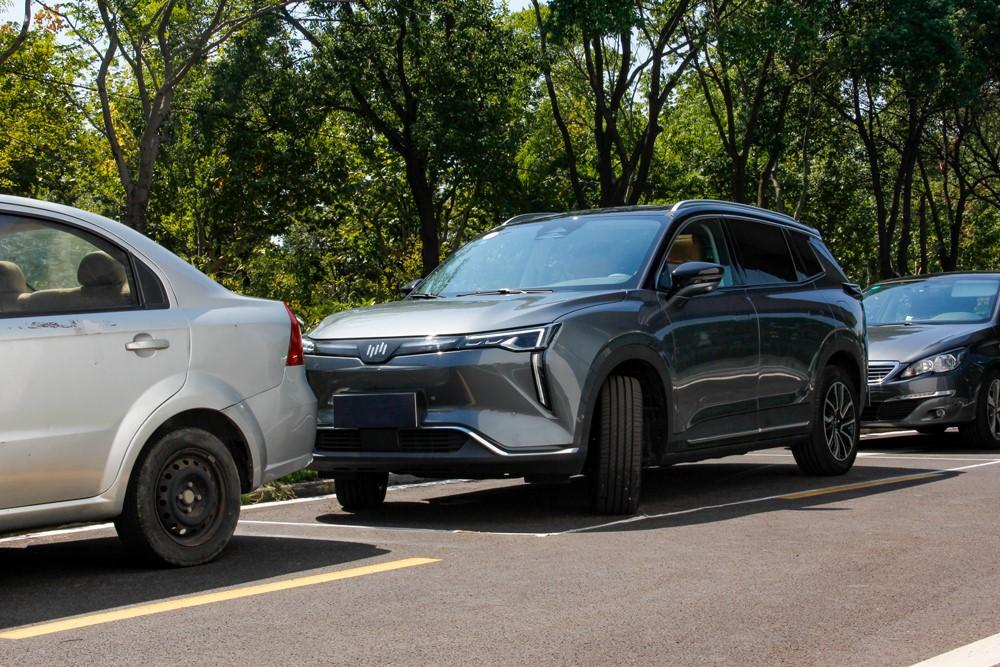威马W6迎来第三次OTA,优化无人泊车能力,语音控制大升级