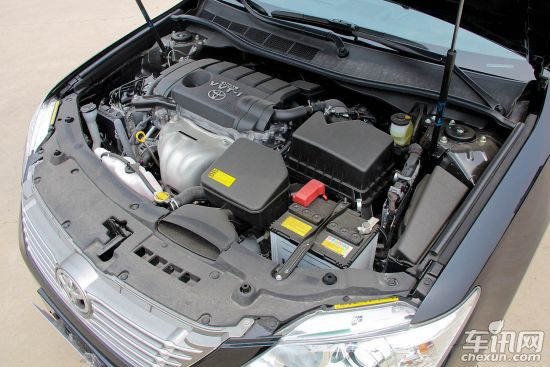 5l发动机为5ar-fe型,具有双vvt-i和acis谐波增压进气系统,最大功率