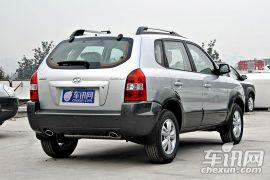 北京现代-途胜-2.0四驱手动豪华型