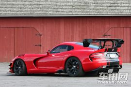 SRT-蝰蛇 2016