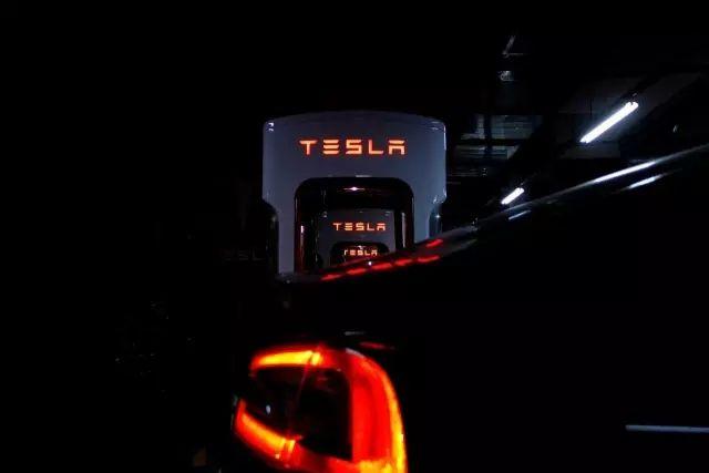 一个另类的守护者 — Tesla 90D的一天