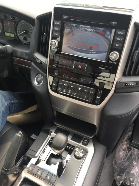 16中东丰田酷路泽4000优惠促销最新价格