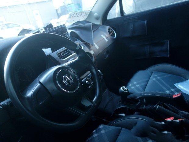 新款上汽MG3谍照曝光 车头造型变化较大