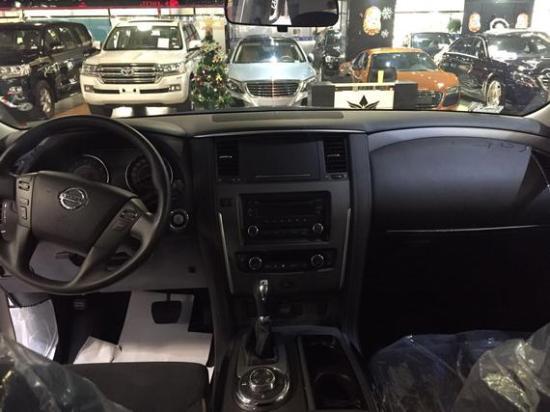 """""""颜值神车""""jeep自由光大结局4折处理 购车电话: 易经理"""