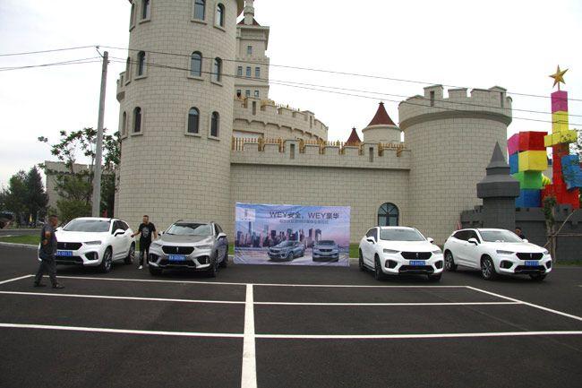 美丽岛温泉水乐园是哈尔滨又一标志性旅游景点,集温泉,水上乐园,度假
