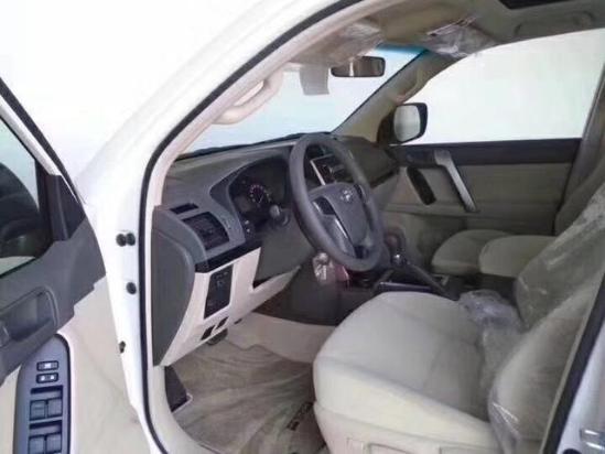 18款丰田中东版普拉多2700天窗外挂 新款霸道匠心之作