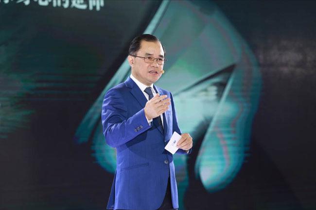 长安汽车携睿骋CC亮相2017国际广州车展