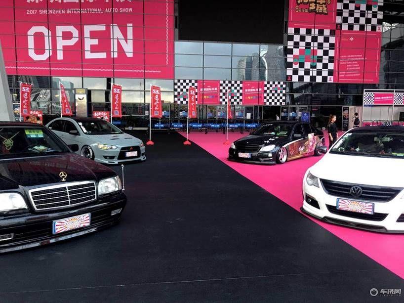 2018深圳国际车展,共启用深圳会展中心1、2、3、4、5、6号共六个展馆,展览面积超过8万平米。届时,现场将汇集国内外100个知名汽车品牌,携旗下700多辆车型亮相现场。整个展馆内,除了设有品牌车商销售展区,还有平行进口车销售展区,汽车后市场展区,汽车文化体验区,亲子互动娱乐区,汽车媒体互动区,汽车金融概念区等多重元素汇集于此。