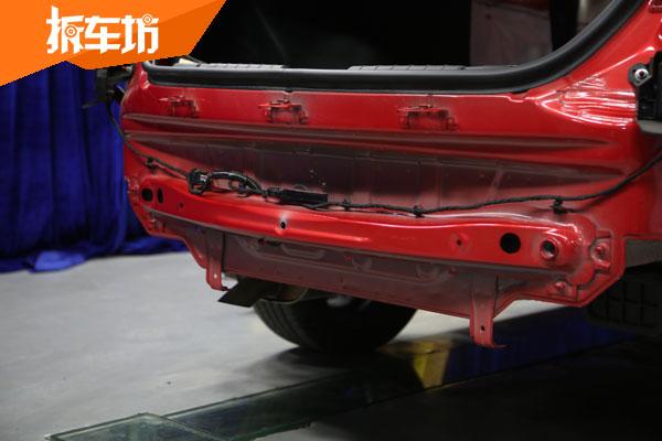 艾瑞泽GX车尾结构能同时满足中低速防护么?