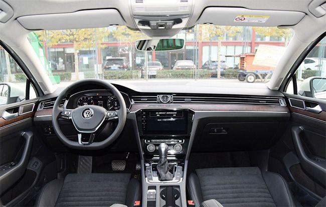 一汽-大众迈腾最高优惠3.6万元 现车充足