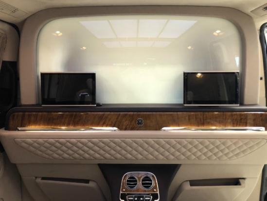 奔驰V260L改装VS680商务车 堪比移动皇宫?