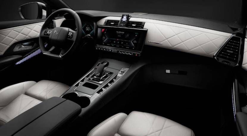 DS7四驱版插电式混动SUV高效环保