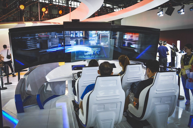 屏幕消失/心率监控 长城在CES上玩了些什么