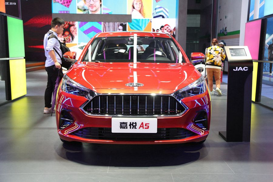 2019成都车展:江淮嘉悦A5正式亮相