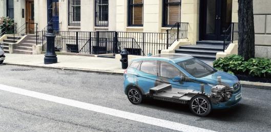 電動汽車是否安全?全球首次三車雙重碰撞測試將給出答案