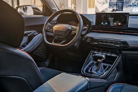 性价比极高的SUV 售价7.18-8.98万 新宝骏RS-3正式上市