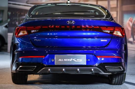 """韩国起亚憋大招,全新K5命名""""凯酷"""",B级轿车有压力了"""