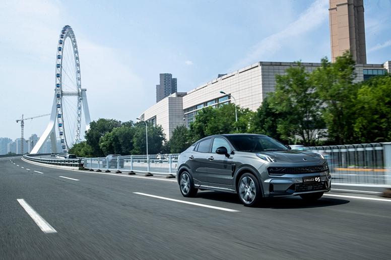 連續5個月銷量突破4000臺,領克05成為年輕人的轎跑SUV首選